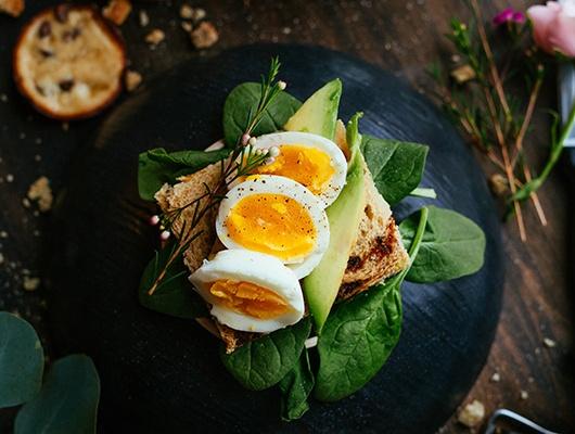 kanapki jajko awokado